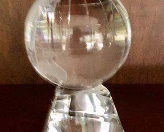 "Hoya glass globe 4""H"