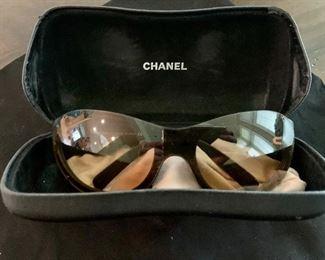 Chanel sunglasses photo 3