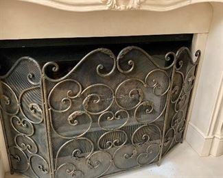 Heavy fireplace screen