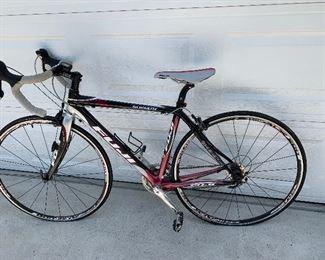 Fuji 770 road bike