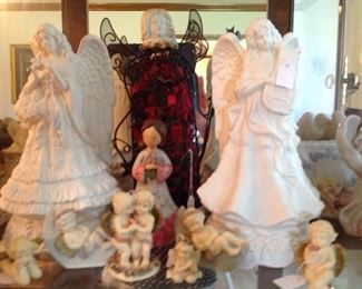 Another shelf of angels