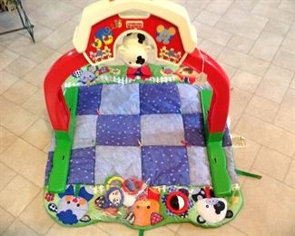 Baby play set, like new