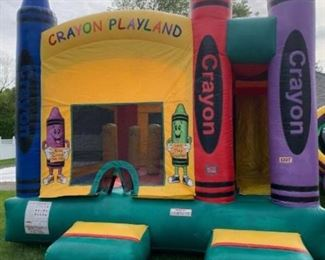4 IN 1 CRAYON COMBO BOUNCE by E-inflatable