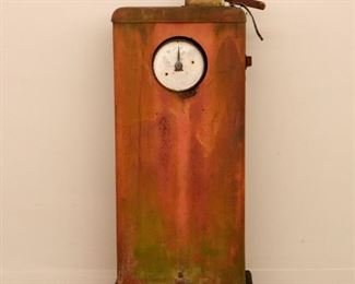 """Lot 8 : 1950s Tokheim model 40 clock face gas pump. Unrestored, with paint loss and surface rust. Pitting to chrome parts and some rust-through at base. No hose or nozzle. 40"""" high."""