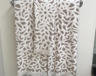 Decorative batheroom towels