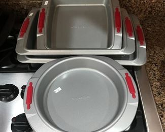 Cake Boss baking pans