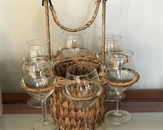Wine & glass carrying basket