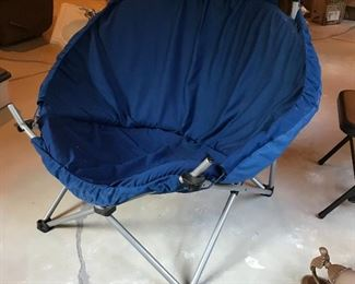 Large collapsible chair