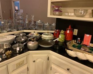 Kitchen: Cookware, canisters, bowls, decorative serving dishes