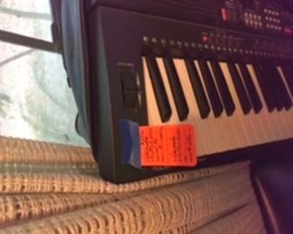 Yamaha electric piano with all accessories
