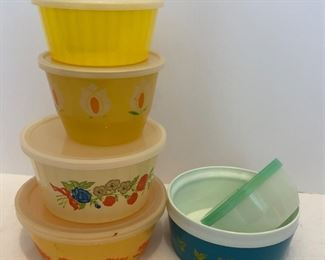 Lot #30, Vintage sale of plastic containers, $6