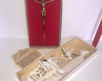 Lot #123, First communion tie and misc Religious items, $8