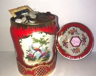 Lot #124, Nice bird tin filled with buttons, $12