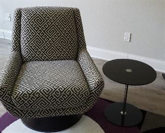 contemporary chair, 2 size tables