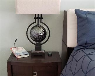 night table which go with king size bedroom set, lamps