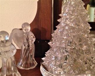 Glass angels and Christmas tree