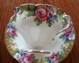 A number  of fine china Tea Cups & Saucers