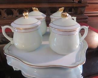 Set of 4 Pot de Crème Lidded Cups with Serving Tray  Exclusive at Neiman Marcus