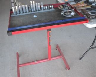ROLLING TOOL CART WITH MAGNETIZED TOP