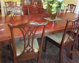 dining room table and chairs seats 10 Lexington