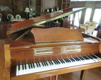 """Zimmerman 4'9"""" grand piano"""