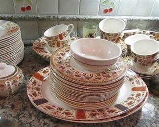 set of dishes Queen Imari