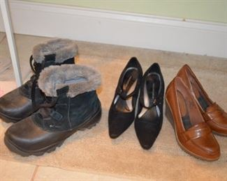 ladies Columbia boots; shoes size 5.5