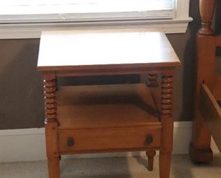 Vintage nightstand/end table