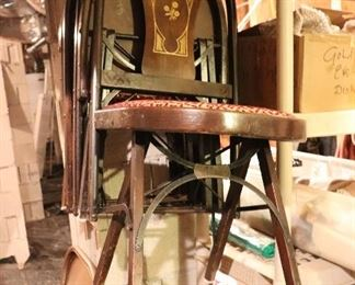 4 vintage folding chairs