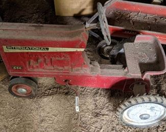 International Harvester 856 Pedal Tractor