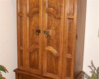 BUY IT NOW!!   Armoire