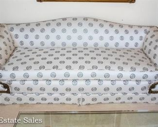BUY IT NOW!  Beautiful Classic Sofa