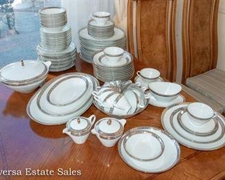 Bavarian Bareuther Waldsassen Dinnerware Set