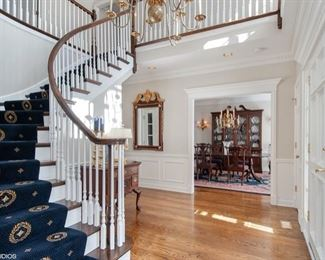 Wow What a Gorgeous Foyer
