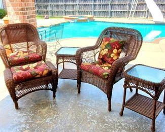 Great set of outdoor wicker furniture