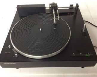 HARMON KARDON/RABCO MODEL ST8 BELT DRIVEN TURNTABLE, POWERS ON BUT DOES NOT SPIN