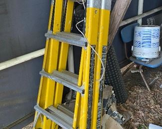 Aluminum Ultra Lite ladder