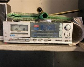 Vintage SoundDesign stereo system with cassette player and speakers