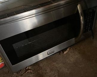 Under cabinet Frigidaire microwave in stainless steel