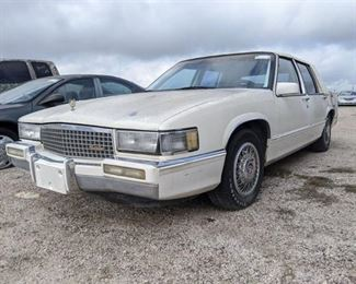 1988 Cadillac DeVille V8 4.5L Automati-  Vin 1G6CD5150K4240477