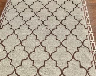 """$95 Liora Manne. Classic quatreroil lattice pattern rug, minor wear. 7'6""""L x 5'W"""