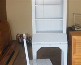 DESK HUTCH WITH CHAIR