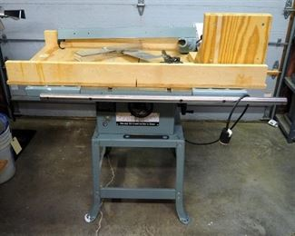 "Delta Model 10 Contractor's Table Saw With Custom Jigs, 1.5 HP Motor, With 10"" Blade, Powers On"