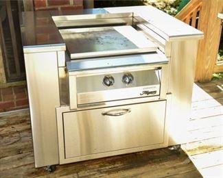 4. Alfresco Natural Gas Versa Power Cooking System