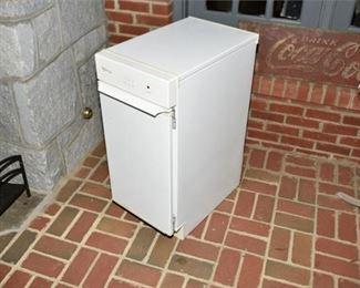 5. Whirlpool Gold Mini Freezer