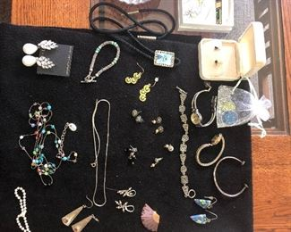 LARGE SELECTION OF EXCLUSIVE SIGNED JEWELRY COLLECTION. GOLD & SILVER