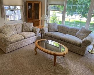 Immaculate Thomasville Sofa and Loveseat