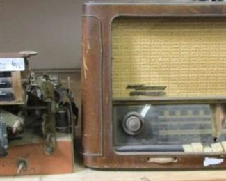 VINTAGE TABLE RADIOS WITH TUBES