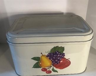 Lot 99B, Nice large tin with vents in back, $12