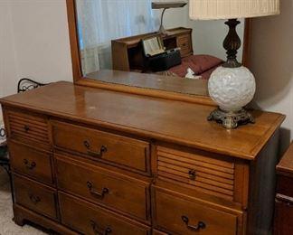 Spainhour Bedroom Suite(Dresser with Mirror)